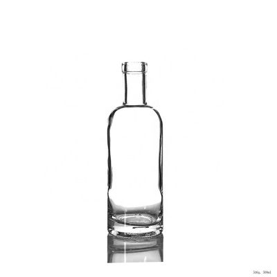 Factory Price Cosmetic Packaging 500ml Vodka Bottle Glass Bottle