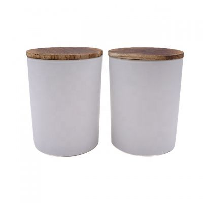 wholesale 650ml big size white color paint tall glass candle vessel with wooden lid